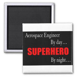 Ingeniero aeroespacial del super héroe imán cuadrado