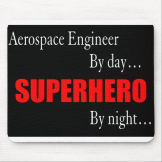 Ingeniero aeroespacial del super héroe tapete de ratón