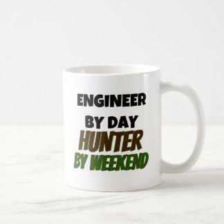 Ingeniero del cazador del día por fin de semana taza