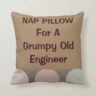 """Ingeniero jubilado """"almohada de la siesta """""""