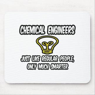 Ingenieros químicos. Gente regular, solamente más  Alfombrilla De Raton
