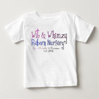 Ingenio y camiseta renacida del niño del cuarto de camisas