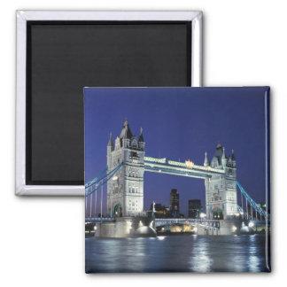 Inglaterra, Londres, puente 3 de la torre Imán Cuadrado