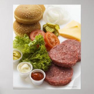 Ingredientes para los cheeseburgers póster