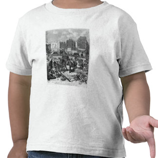 Inhabitants moving from the Butte des Moulins Tshirt