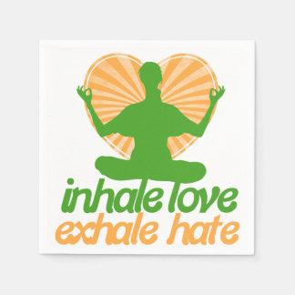 Inhale el amor exhalan la meditación del odio servilletas de papel