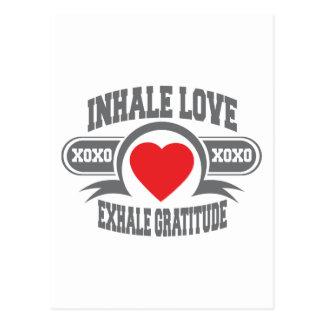 Inhale el amor, exhale la gratitud postal