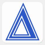 Inicial azul del monograma del delta griego de la pegatinas cuadradases
