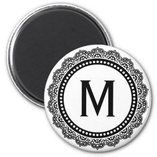 Inicial blanco y negro del personalizado del medal iman para frigorífico