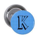 Inicial de encargo blanca azul del monograma de lo pin