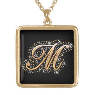 """Inicial de oro """"M"""" con los diamantes - collar"""