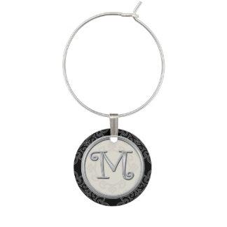 Inicial de plata elegante M del monograma Identificador De Copa