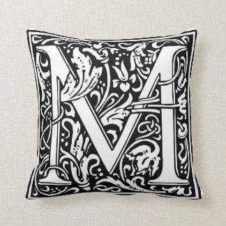 "Inicial decorativa ""M"" de la letra Cojín"