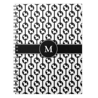 Inicial del monograma de Polkadot del perro de Note Book