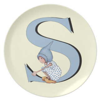 Initial S, Letter S with Cute Gnome Girl On It Dinner Plate