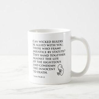 Injusticia por el estatuto tazas de café