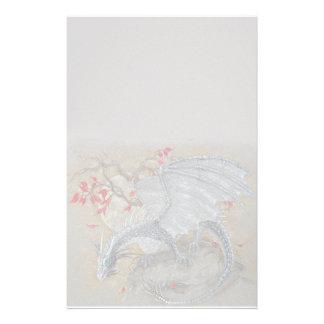 Inmóvil - dragón del otoño  papeleria de diseño