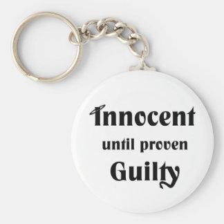 Innocent hasta culpable probada llavero personalizado