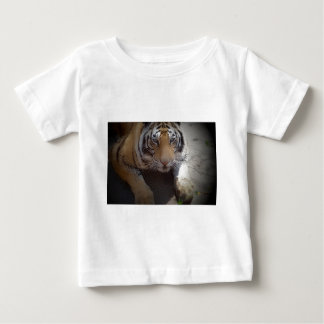 Inquisitive Tiger Gifts T-shirt