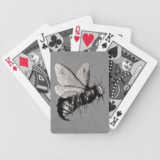 Insecto de alas gótico espeluznante del cráneo de  baraja de cartas bicycle