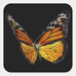 Insecto de vuelo anaranjado de la mariposa del pegatina cuadrada