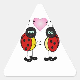 """insecto """"demostración del amor su amor uno """" pegatina triangular"""