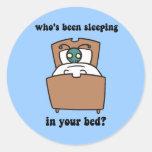 Insectos de cama pegatina redonda