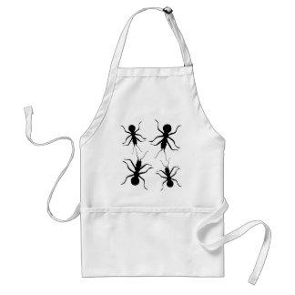 Insectos espeluznantes de las hormigas del negro d delantal