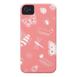 Insectos y mariposas blancos (parte posterior del Case-Mate iPhone 4 fundas