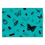 Insectos y mariposas lindos (fondo del vector del tarjeta de felicitación