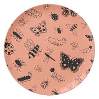 Insectos y mariposas lindos (naranja del vector de platos para fiestas