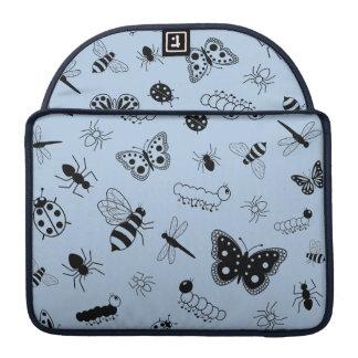 Insectos y mariposas lindos (parte posterior del funda macbook pro
