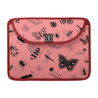 Insectos y mariposas lindos (parte posterior del funda para macbook pro