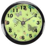 Insectos y mariposas lindos (parte posterior del v relojes acuario