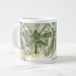 Inserción verde de la mariposa con la puerta de la taza grande