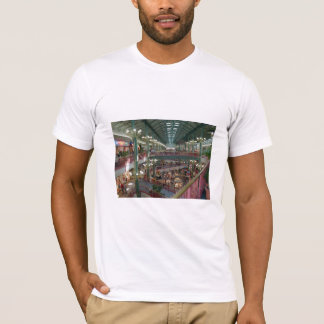 Inside The Mall Of America Minisota Store Crowd T-Shirt