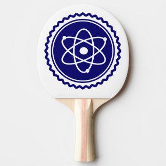 Insignia atómica azul de la ciencia esencial pala de tenis de mesa