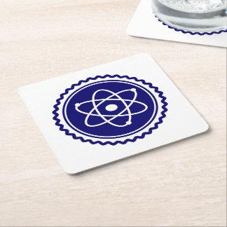 Insignia atómica azul de la ciencia esencial posavasos desechable cuadrado