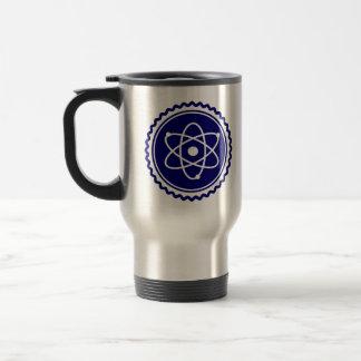 Insignia atómica azul de la ciencia esencial taza de viaje