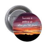 Insignia/botón del éxito de la salida del sol pins