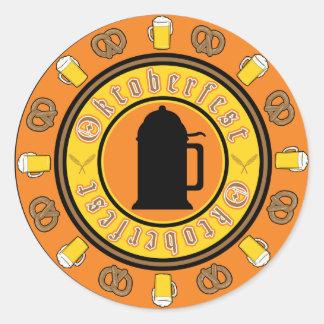 Insignia de la jarra de cerveza de Oktoberfest Pegatina Redonda