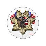 Insignia del ayudante del sheriff relojes de pared