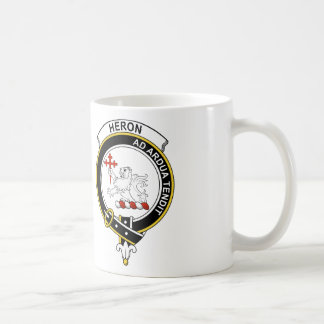 Insignia del clan de la garza taza básica blanca