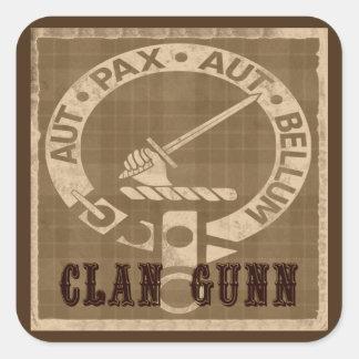 Insignia del escudo de Gunn del clan - sepia Pegatina Cuadrada