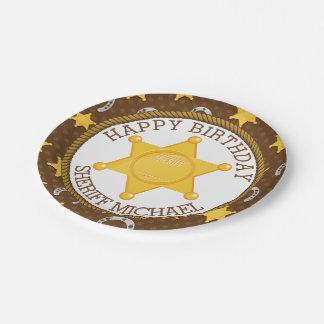 Insignia del vaquero y cumpleaños de la herradura plato de papel de 7 pulgadas