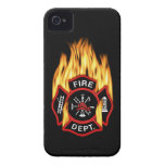 Insignia llameante del cuerpo de bomberos iPhone 4 Case-Mate cobertura