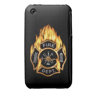 Insignia llameante del oro del cuerpo de bomberos iPhone 3 Case-Mate cárcasa