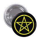 Insignia negra y amarilla del botón del Pentagram  Pins