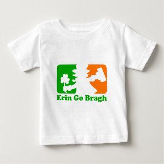 Insignias del Leprechaun: Erin va Bragh Playeras
