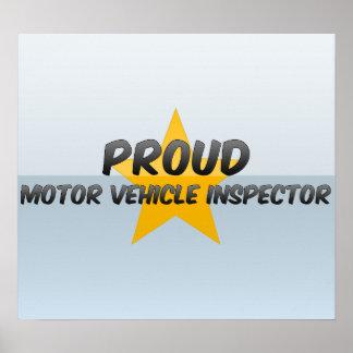 Inspector orgulloso del vehículo de motor impresiones